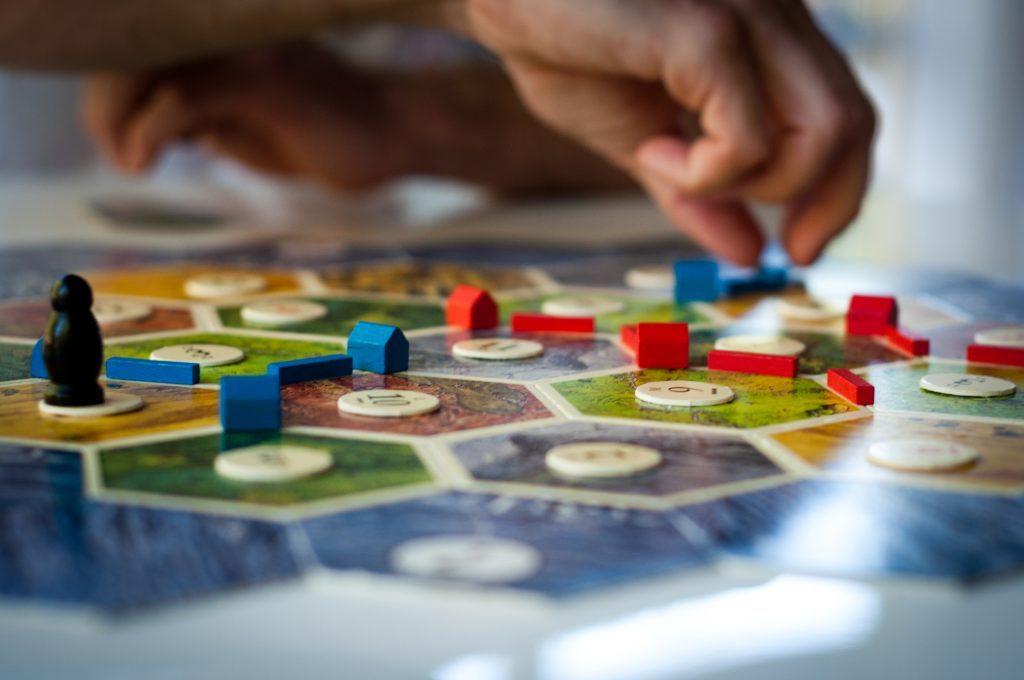 Підбірка кращих настільних ігор від психологів центру 4Help
